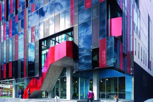 Swinburne University of Technology develops future-ready learners through digital transformation